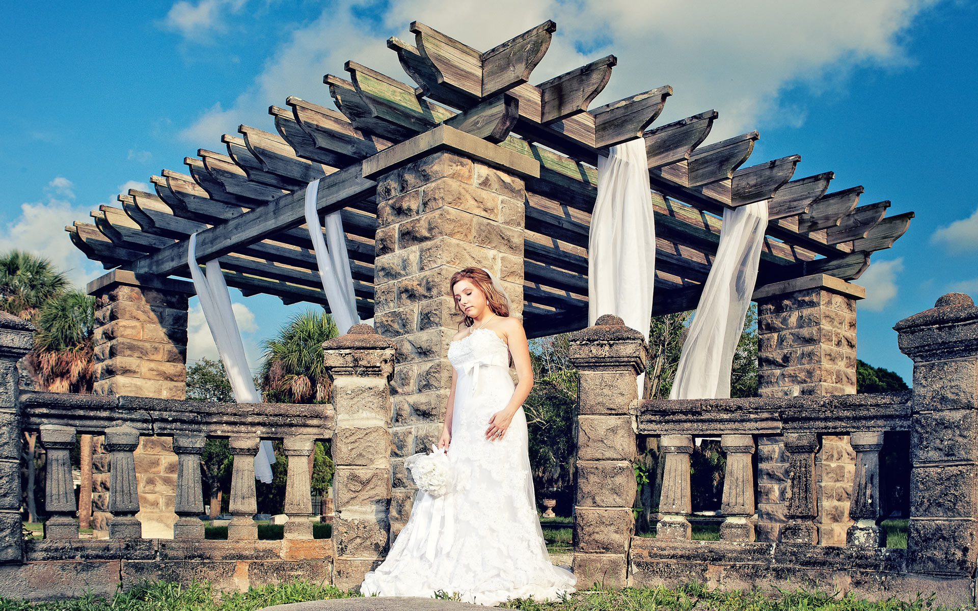 A Fine Art Bridal Photo Shoot in an Artistic Location